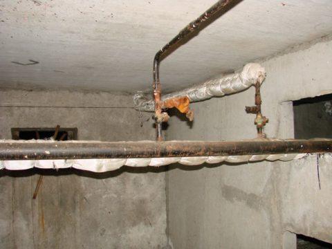 Стояки водоснабжения снабжаются вентилем или заглушкой для сброса воды