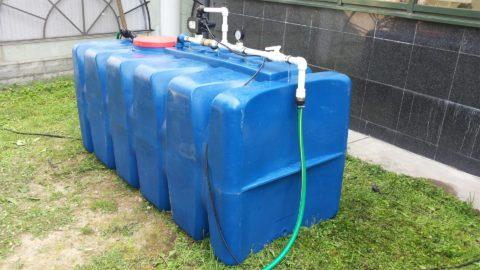 Там, где водоснабжение коттеджных поселков осуществляется по графику, приходится запасаться водой