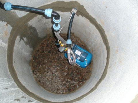 Ввод водоснабжения проложен полиэтиленовой трубой