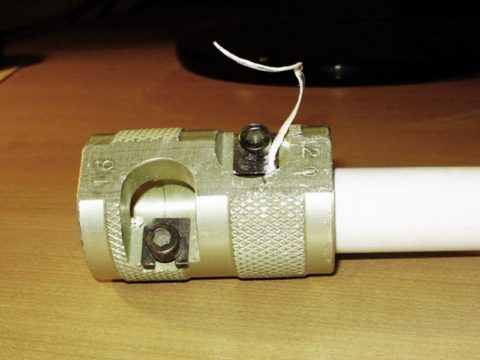 Зачистка трубы шейвером