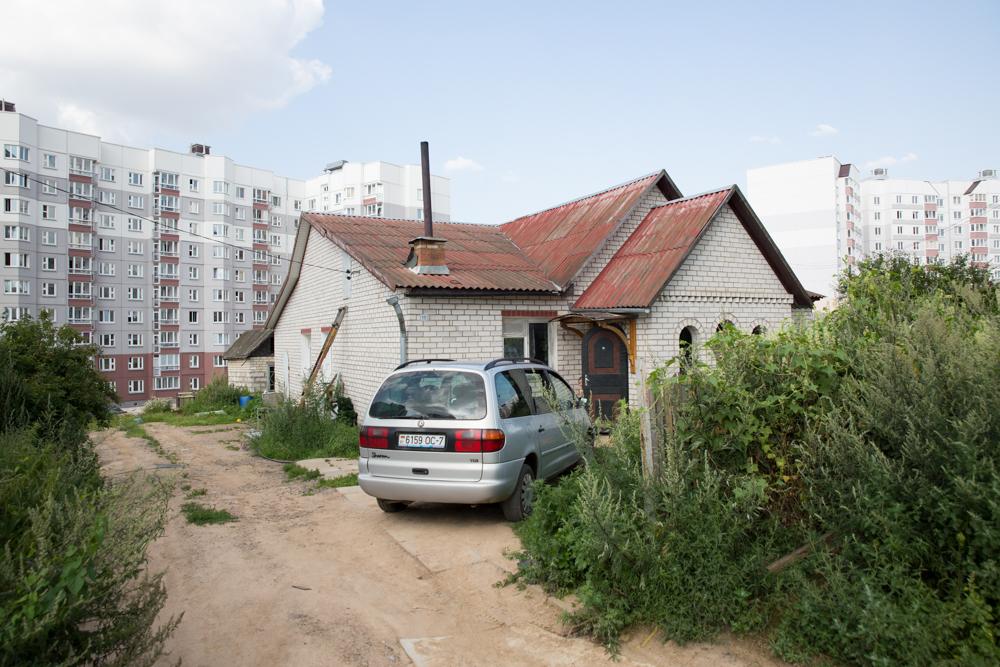 Частный дом подключен к общей с многоэтажными зданиями магистрали водоснабжения