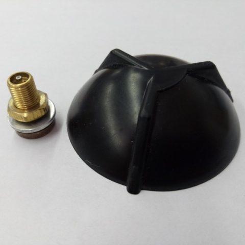 Размер и резьба ниппеля делают его совместимым с автомобильным насосом