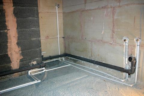 Ремонт ванной с водоснабжением выполняется за счет собственника жилья