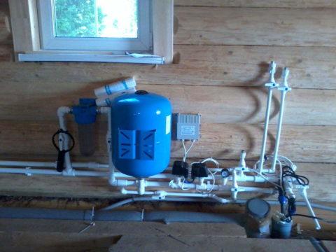 Система водоснабжения с подачей воды из скважины