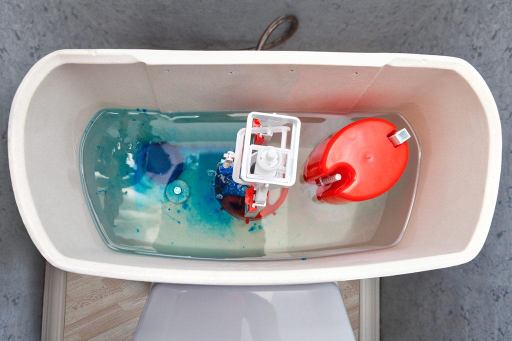 Ксливному бачку можно подавать непрошедшую очистку воду