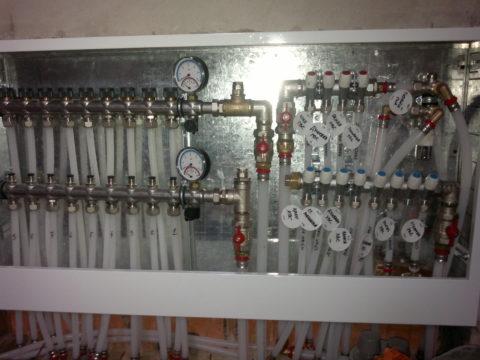 Изколлекторного шкафа можно отключить воду налюбой сантехнический прибор