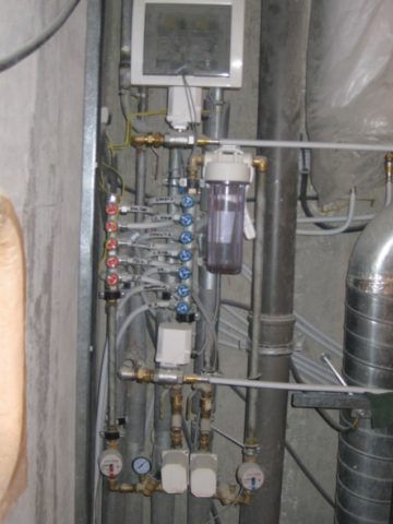 Коллекторы водоснабжения всанузле
