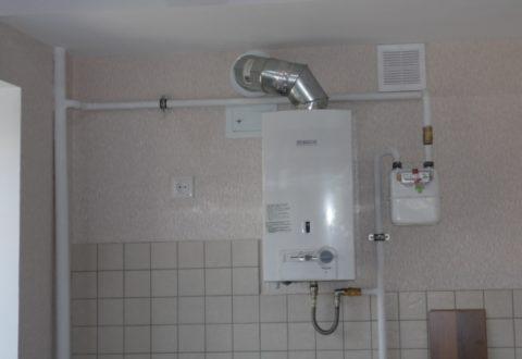 Кухня вновостройке: газовое оборудование подключено строителями,установка водоснабжения вквартирахвыполняется ихвладельцами