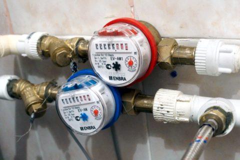 Механический счетчик учитывает расход воды, игнорируя еенизкую температуру