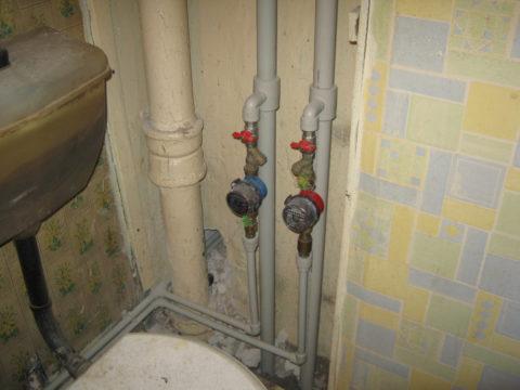 Монтаж стояков холодного водоснабжения полипропиленом