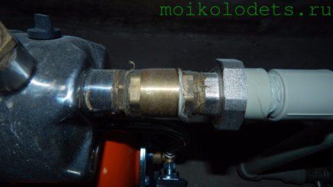 Обратный клапан перед всасывающим патрубком насоса