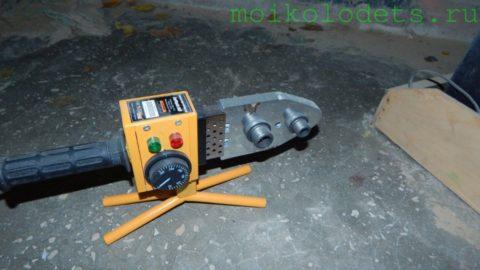 Паяльник с установленной насадкой диаметром 20 мм