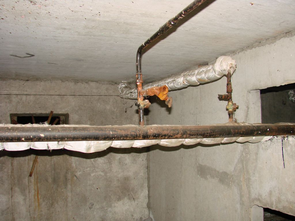 Как в подвале открывать стояк на отопление