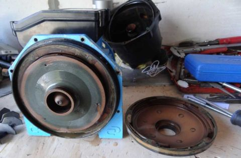 Рабочее колесо и вал могут прикипеть при долгом простое благодаря минеральным отложениям