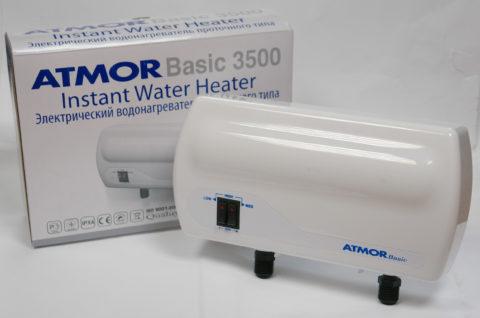 Водонагреватель Атмор включается при напоре воды неменее 3метров, что соответствует давлению 0,3кгс/см2