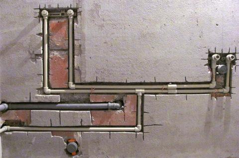 Подводка с тройниковым подключением приборов