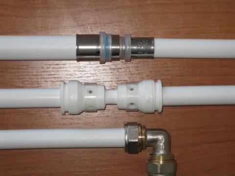 Пресс-фитинг, пуш-фитинг и компрессионное соединение (сверху вниз)