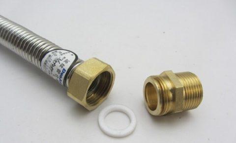 Соединение с вальцовкой и накидной гайкой