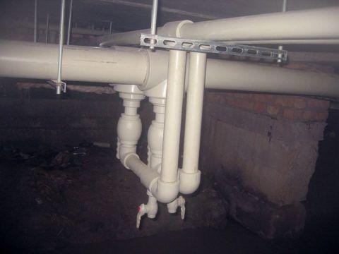 Уклон и наличие сбросников позволяют осушить розлив на время ремонта