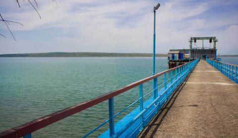 В поверхностных источниках вода имеет повышенную цветность
