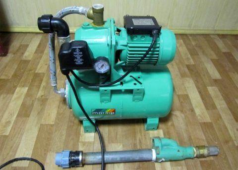 На фото — внешний эжектор с донным клапаном и защищающим раструб сгоном