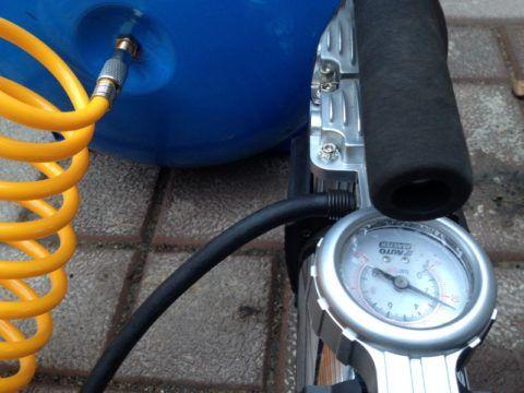Накачка ГА автомобильным компрессором с контролем давления по манометру