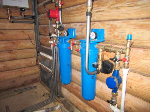 Система водоснабжения в деревянном строении