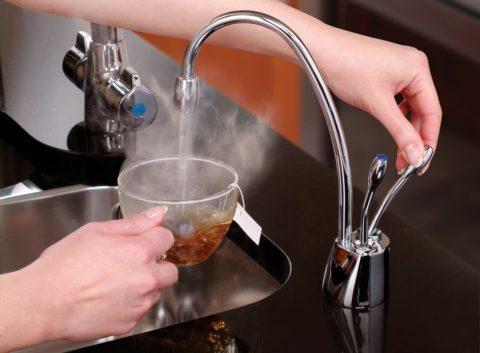 Открытая и закрытая схемы водоснабжения дают воду разного качества