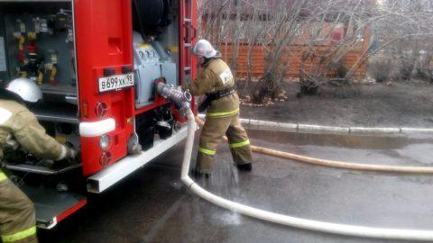 Закачка воды в пожарный автомобиль