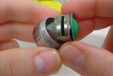 Через фильтр смесителя крупные частицы не пройдут