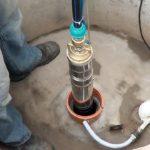 Добыть воду из скважины можно только с помощью погружного скважинного насоса