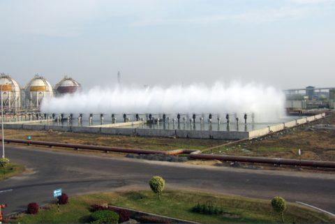 Охлаждение воды посредством работы брызгального бассейна